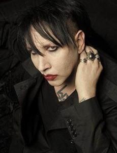 Marilyn Manson чуть не лишился уха в драке (фото)