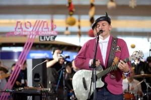 Мумий Тролль для улетающих - концерт в Шереметьево (смотреть online)