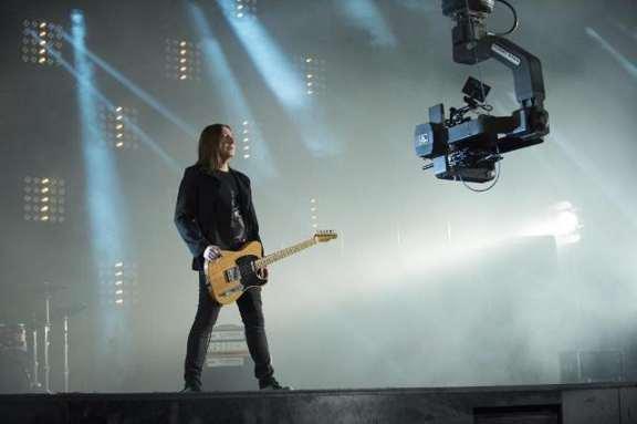 "Группа Би-2 сняла клип к песне ""Молитва"" на основе кадров из фильма ""Метро"""