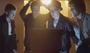 Новый клип Fall Out Boy - The Phoenix (смотреть online)