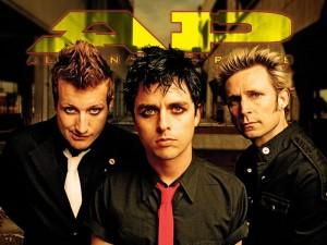 Green Day выпустят свои демо-записи ко Дню Музыкального Магазина