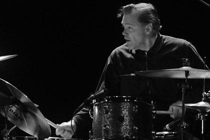 Скончался один из основателей группы The Stooges барабанщик Скотт Эштон